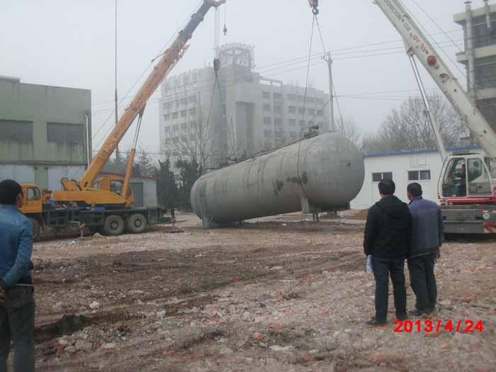 瑞安吊装50吨油罐案列